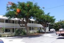 Lona Kona Apartments